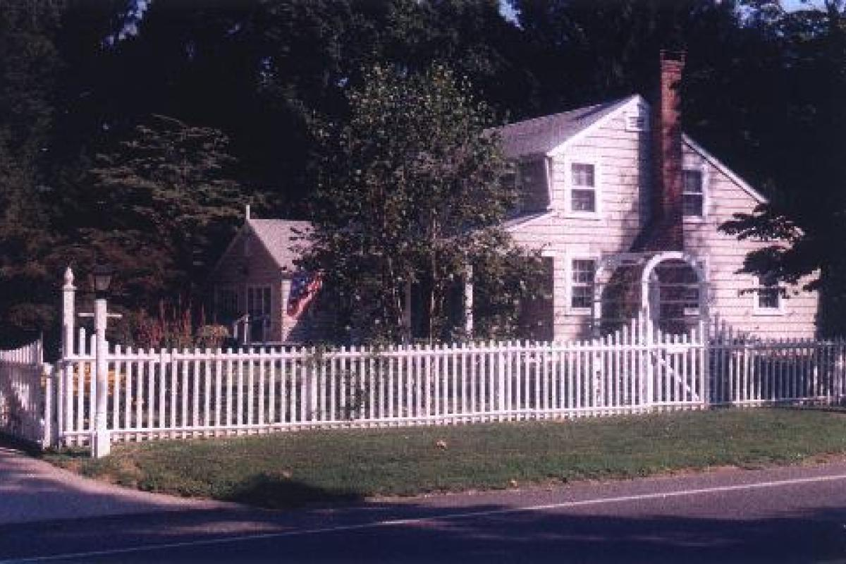 Historic Cottage on Riverview Drive